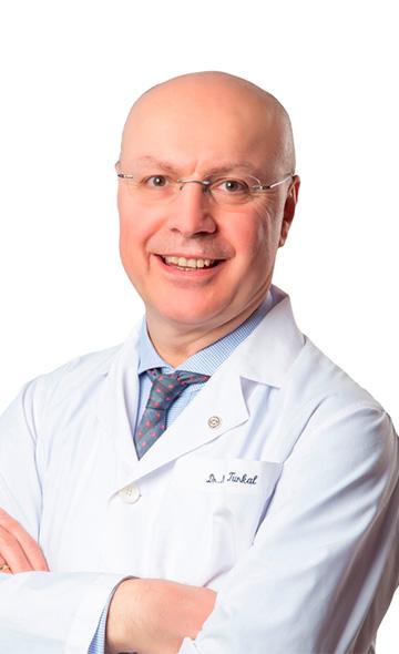 Доктор Сердар Турхал