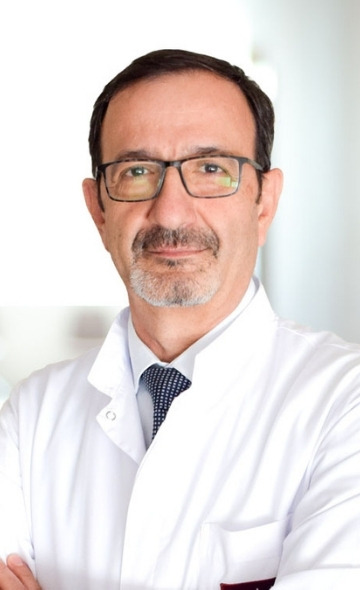 Профессор Ахмет Чолак