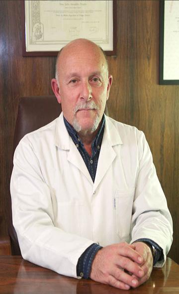 Доктор Альберт Мираллес Кассина