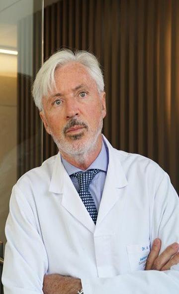 Профессор Антонио Де Ласи