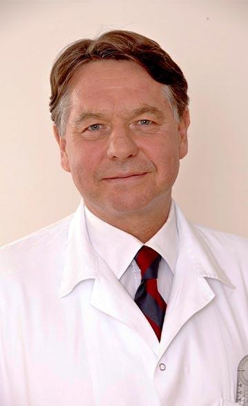 Доктор Мартин Бухельт