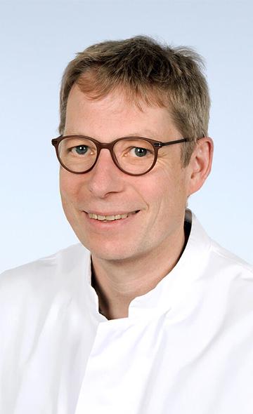 Профессор Ханс Клуссман