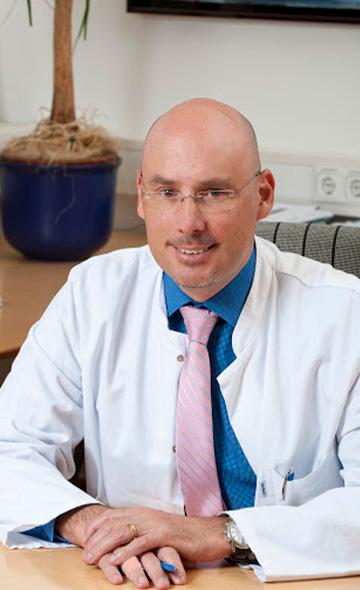 Профессор Свен Беккер