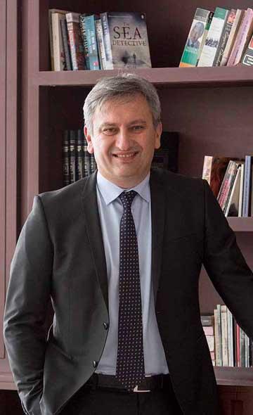 Доктор Мустафа Оздоган