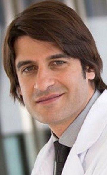 Доктор Сальвадор Эскена Фернандес